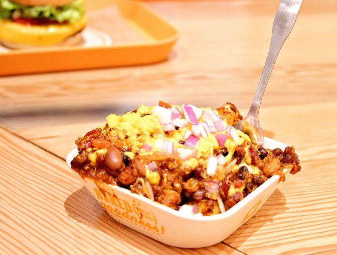 next-level-burger-chili-cheese-tots